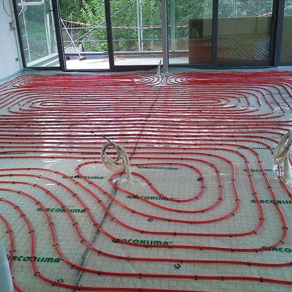 Installation d'un chauffage par le sol avec pompe à chaleur en province de Hainaut